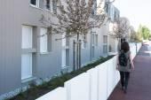 Newly built modern block of flats — Stock Photo