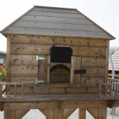 A Beautiful wooden chicken coop or hens house — Stock Photo
