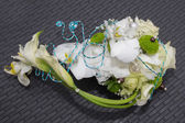 Um lindo bouquet de noiva em uma festa de casamento — Fotografia Stock