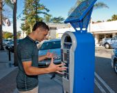 Frustration with the parking meter — Stock Photo
