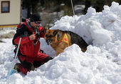 Mountain Rescue Service at Red Cross — Stock Photo