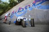 Graffiti artist painting — ストック写真