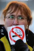 Anti-smoking activist — Stock Photo