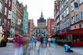 The flow of people in Golden Gate in Gdansk — Stock Photo