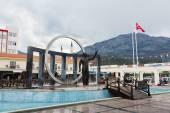 Central square in Kemer, Turkey — Stock Photo