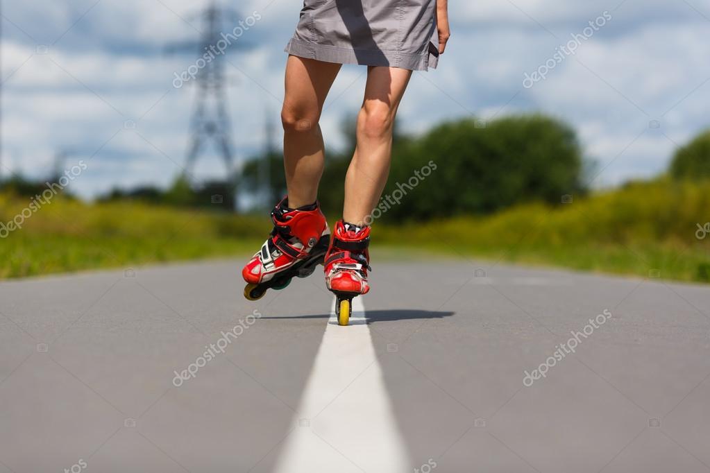 Ноги девушек на роликах фото 250-967