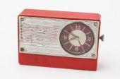 Red retro alarm clock on a white background — Stockfoto