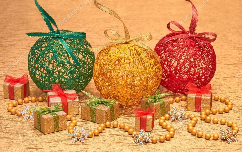 A o 2015 adornos de navidad hechos a mano sobre fondo de - Adornos de navidad hechos a mano ...