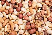 Almonds, hazelnuts, walnuts, cashews and pistachios — Stock Photo
