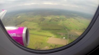 View porthole of aircraft — Stockvideo