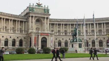 Green lawn Heldenplatz — Video Stock