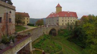 Old medieval royal castle — Stok video