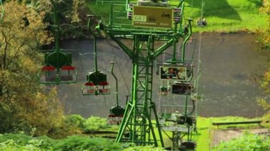 Cable way above river — Stok video