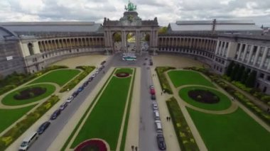 Beautiful Arc in Brussels park — Stock Video