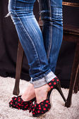 Jambes d'une jeune femme — Photo