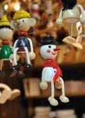 Muñeco de nieve de madera — Foto de Stock