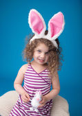 Happy Laughing Smiling Child with Easter Bunny — Stockfoto