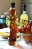 Fles wijn in de vorm van de zeemeermin — Stockfoto