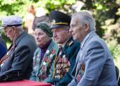 Makeevka, Ukraine - May, 7, 2014: Veterans of World War II durin — Stock Photo