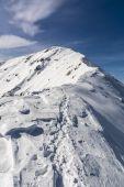 Trail on the ridge in winte — Stock Photo