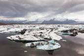 Glacier and icebergs, Iceland — Stock Photo