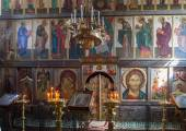 The iconostasis of the Russian Orthodox Church — Stock Photo