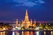 Wat Arun Temple in bangkok thailand — Stock Photo