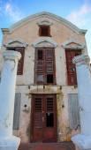 Old crumbling villa on Curasao — Stock Photo