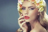 Sensual pale lady with the flower crown — Stock Photo
