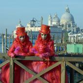 Veneza. Carnaval. Máscaras. Trajes. — Fotografia Stock