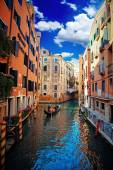Venice Canal and Gondola — Stock Photo