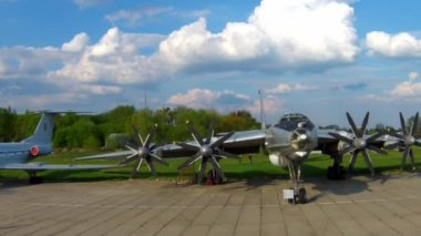 The Tupolev Tu 142 at the aviation museum in Kiev — Stock Video