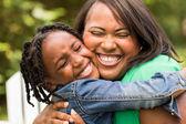 Afrika kökenli Amerikalı anne ve kızı — Stok fotoğraf