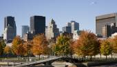 Montreal, Quebec, Canada, skyline on a beautiful Fall day,view from the Old Port — Стоковое фото