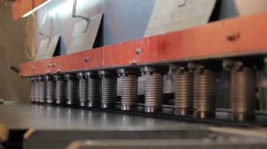 Sheet metal cutting by guillotine — Stock Video