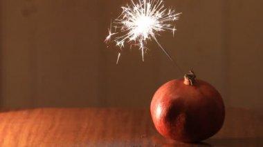 Christmas bomb pomegranate — Stock Video