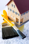 Home improvement - painting walls in family house — Stock Photo