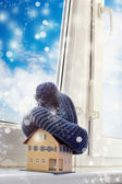 House in winter - heating system concept and cold snowy weather — 图库照片