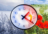 Changing time on the clock — Stock Photo