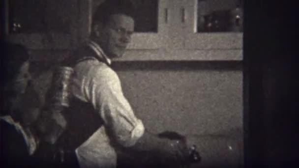Мальчик моет женщину видео фото 72-838