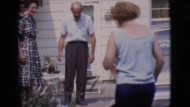 Видео две женщины и мужчина фото 63-148