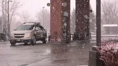 Snowing at Gas Station — Stock Video