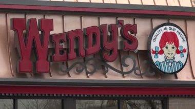 Wendy's Hamburgers Restaruant — Vídeo de Stock