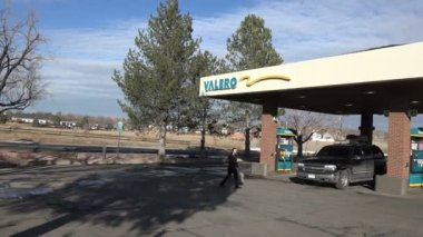 Valero Gas Station — Stock Video