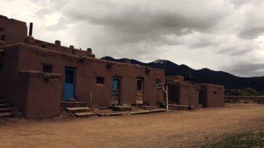Native American Pueblo Building — Stock Video