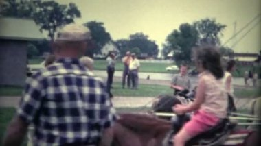 Boy on Old Time Horse Ride — Stock Video