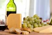 奶酪和葡萄酒 — 图库照片