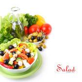 Salát s čerstvou zeleninou — Stock fotografie