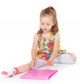 Pretty girl reading a book — Stock Photo