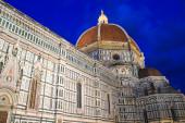 Florence cathedral Santa Maria del Fiore at night — Stock Photo